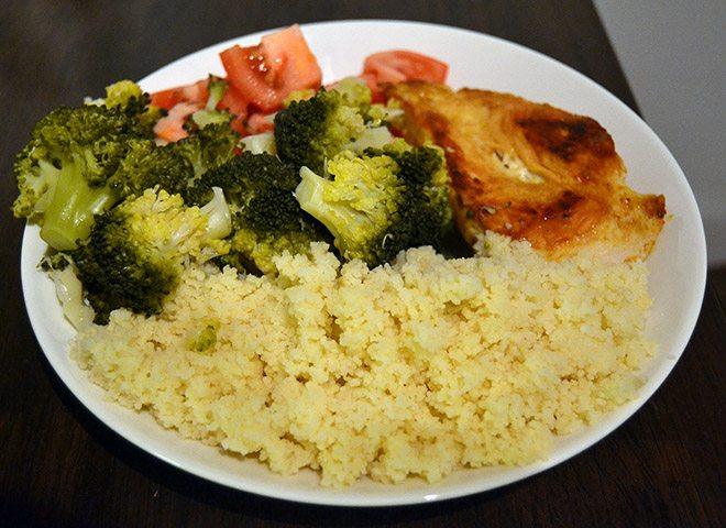 kuskusateria-ruoanlaitto