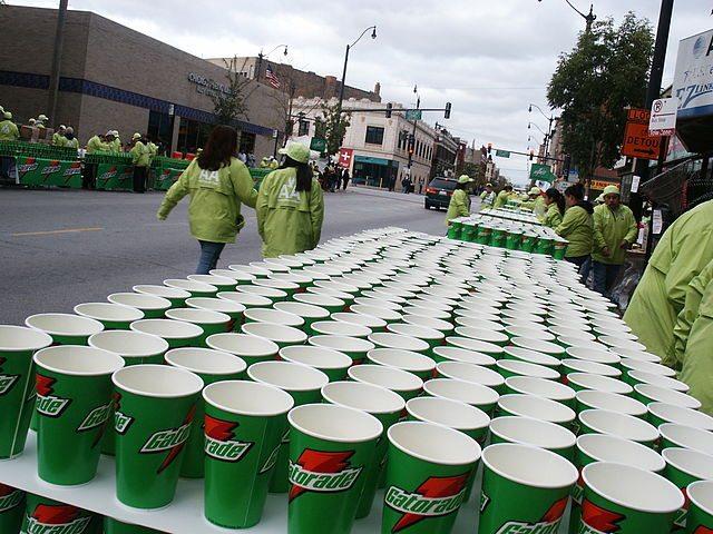 Mitäs siellä maratonilla tarjoillaankaan? Kuva: Codo / Wikimedia Commons