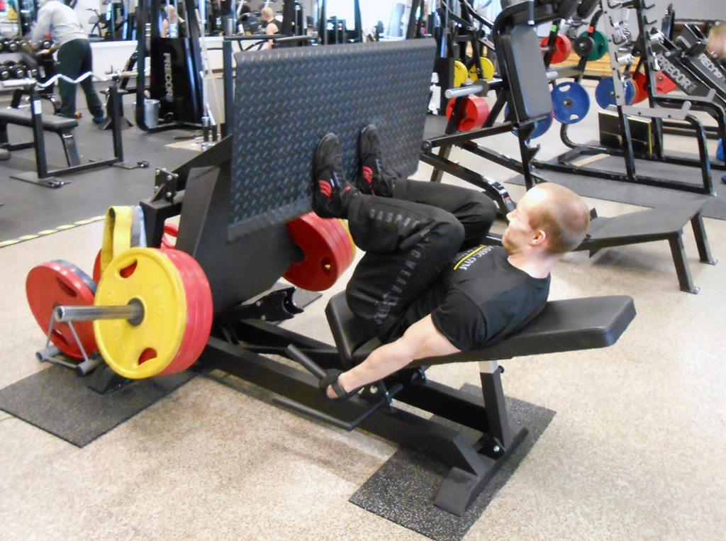 Pitkät sarjat jalkaprässiä kuluttavat tehokkaasti glykogeeniä